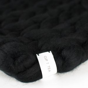 merino chunky knitted blanket black